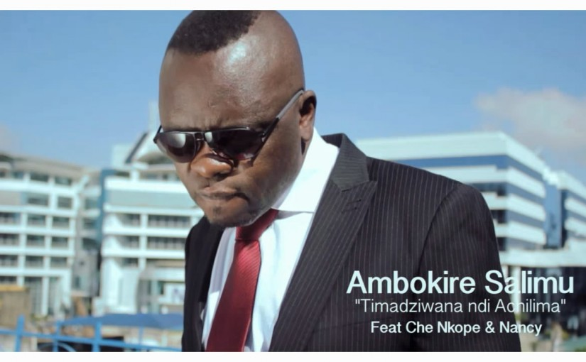 """Watch Che Nkope as he discovers """"Ma Tender"""" by Ambokire Salimu"""